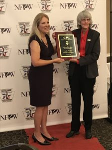 Lori Potter receives NFPW Sweepstakes Award.